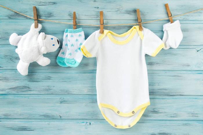 vetements bébé en plusieurs exemplaires